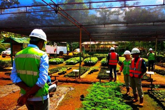 Mahasiswa kuliah lapangan di perusahaan tambang di Malut