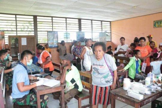 Lanud Manuhua Biak beri pengobatan gratis warga dua kampung