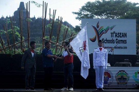 Penutupan ASEAN Schools Games Page 1 Small