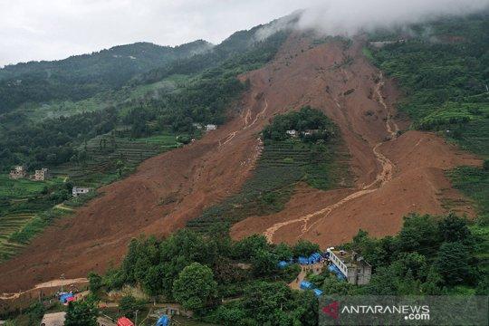 Longsor di China tewaskan 11 orang