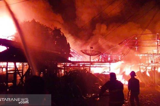 12 rumah di Pasar Hongkong habis terbakar