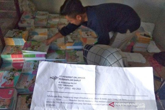 Orang tua keluhkan harga buku SD di Garut hampir satu juta rupiah