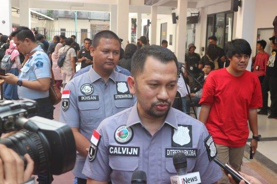 Polisi bentuk tiga tim buru DPO pemasok sabu ke Nunung