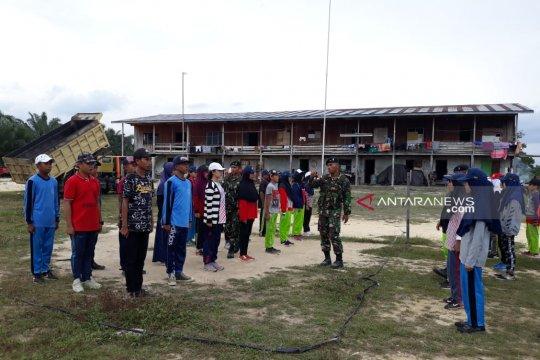 Prajurit Yonif Raider 600 MDG latih siswa perbatasan persiapan HUT RI