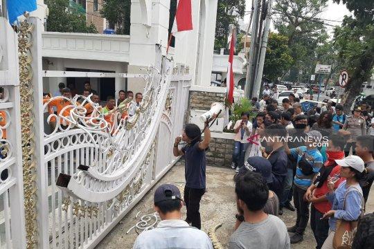 GMKI tuntut Pemrov Sumut cabut izin perusahaan merusak Danau Toba
