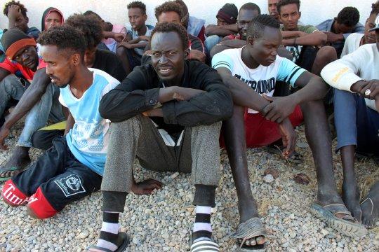 Paus berdoa bagi para migran yang meninggal kecelakaan di laut Tengah