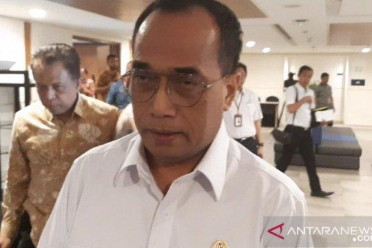 Menhub ingin pergerakan pesawat di Bandara Ngurah Rai ditingkatkan