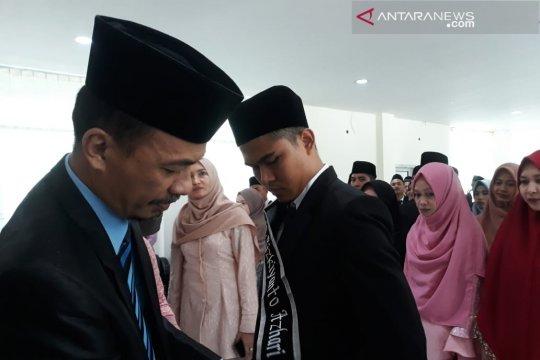 Dua mahasiswa FTIK IAIN Palu raih predikat cumlude