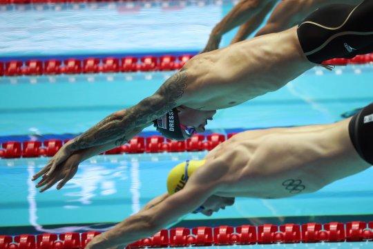 Dressel, Ladecky boyong medali emas untuk AS