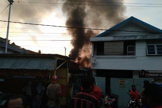 Polres Jayapura menyelidiki penyebab kebakaran di Hamadi Tanjung
