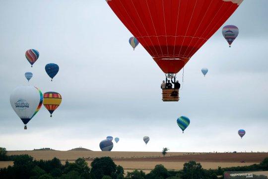 Semarak Festival Balon Udara terbesar di dunia