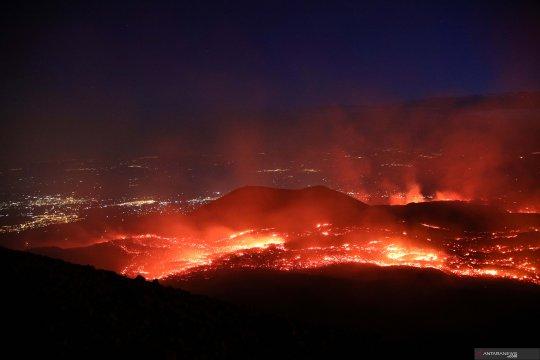 Gunung berapi paling aktif di Eropa kembali meletus