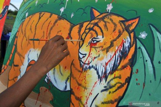 Harimau sumatera Bonita dan Atan Bintang dilepasliarkan di Riau