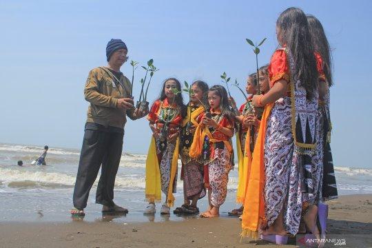 Peringati Hari Mangrove Sedunia