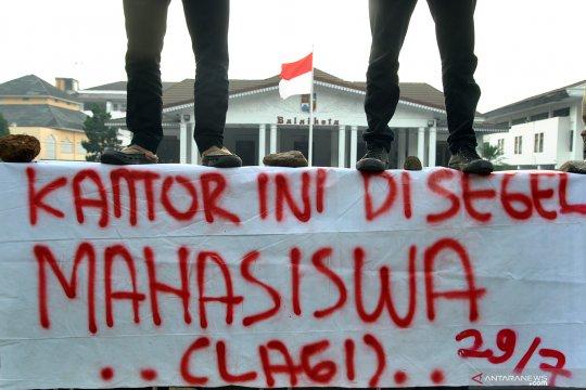 Demo blangko KTP elektronik kosong di Bogor