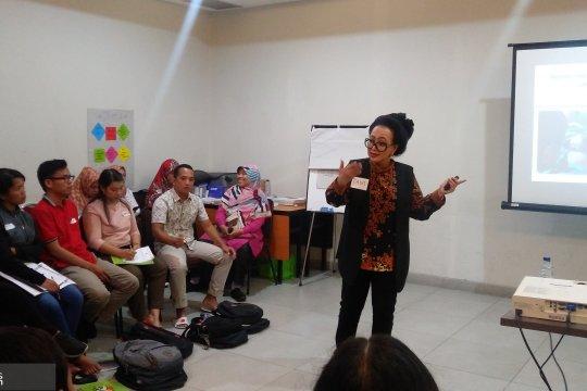 Fasilitator kesehatan Mentawai dilatih konseling menyusui standar WHO