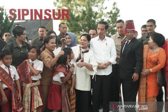 Hari kedua di Sumut, Presiden tinjau pengembangan destinasi wisata