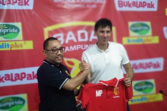 Milan Petrovic resmi latih Perserui Badak Lampung