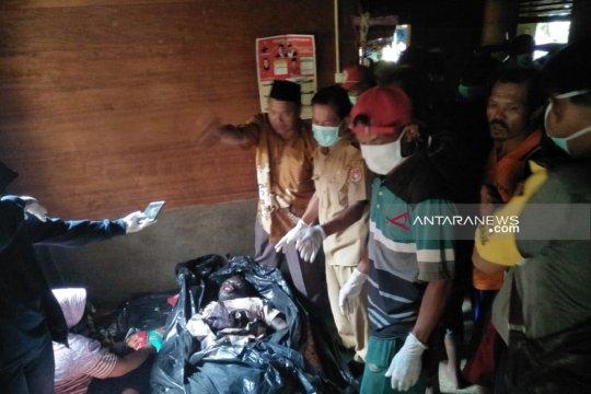 Warga Mukomuko Bengkulu temukan mayat di pondok sawah