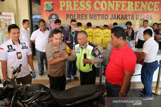 Polres Metro Jakarta Utara bekuk polisi gadungan curi 17 sepeda motor