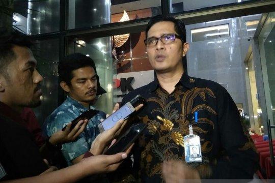 KPK panggil mantan Sekda Jatim Ahmad Sukardi