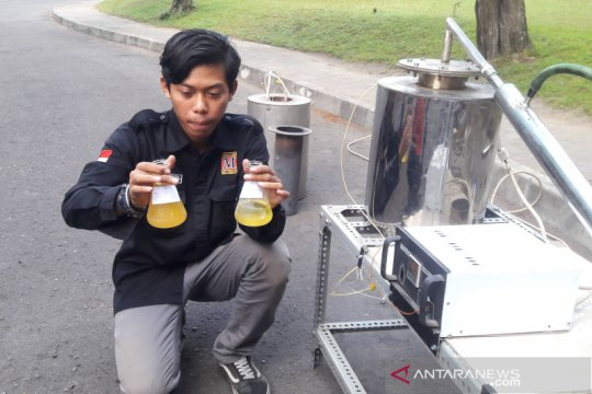 Mahasiswa UGM ciptakan alat pengubah plastik jadi bahan bakar