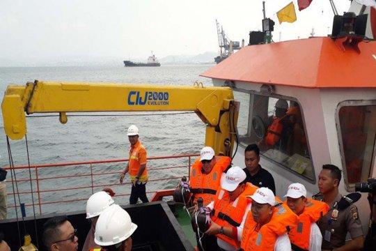 Lampung canangkan laut bersih dan resmikan kapal pembersih sampah
