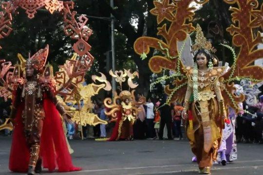 Karnaval tampilkan kostum 11 Negara Asean