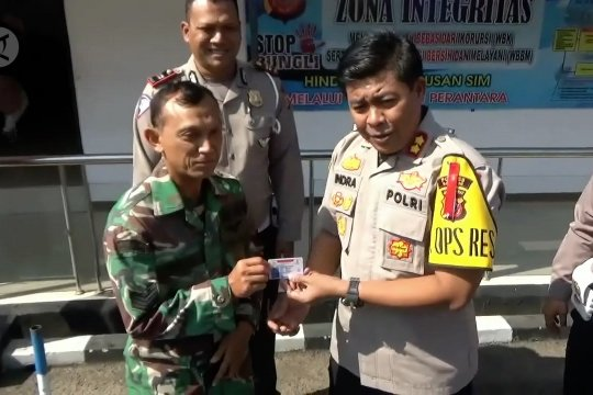 Layanan SIM gratis meriahkan HUT Bhayangkara