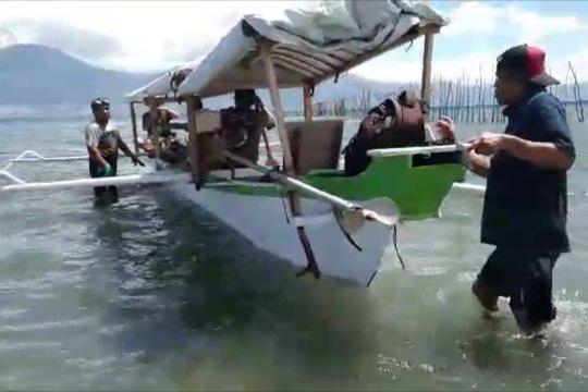 Nelayan tanam terumbu karang jahe di Teluk Palu
