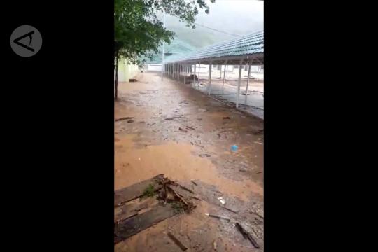 Banjir bandang landa Kabupaten Parigi Moutong