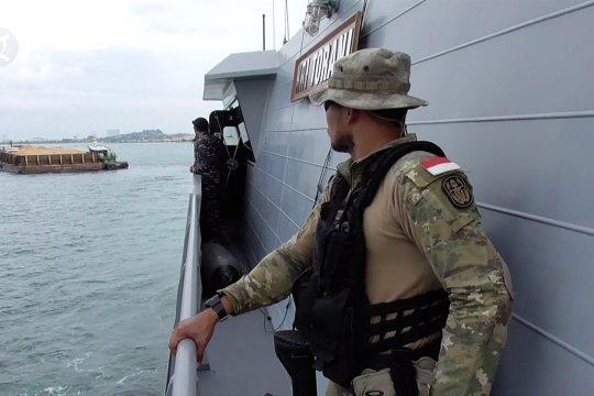 TNI AL hentikan aktivitas tambang pasir di Karimun