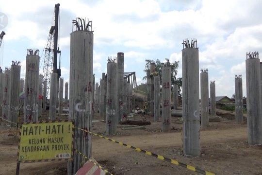 Pembangunan jembatan melengkung pertama di Indonesia baru 35%
