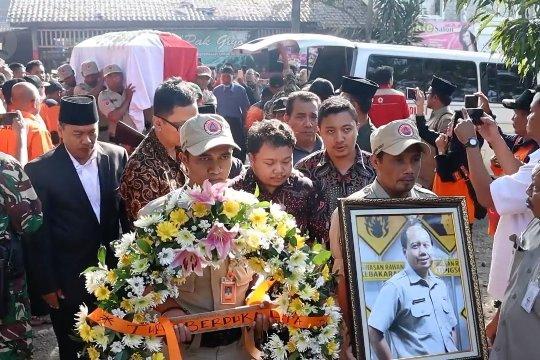 Sutopo dimakamkan di Boyolali dengan upacara semi mliter