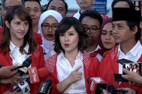 Bertemu Jokowi, PSI perkenalkan kader muda