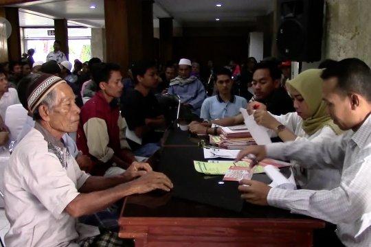 Jaminan hidup tahap I korban gempa Lombok dibagikan