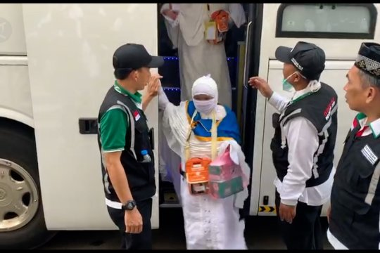 Jamaah calon haji gelombang kedua tiba di Mekkah