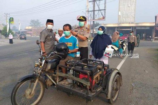 Aceh Barat bagikan ribuan masker cegah dampak kabut asap