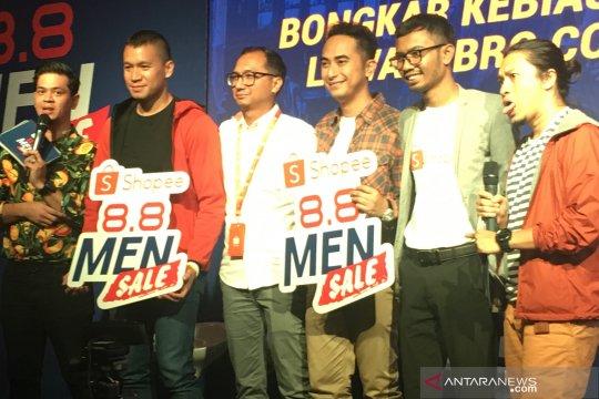 Gaya belanja online praktis Samuel Rizal