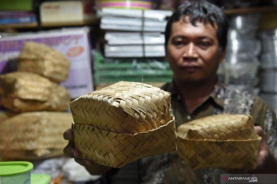500 besek dibagikan gratis untuk kurban di Pasar Kramat Jati