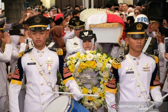 Ribuan warga Gowa beri penghormatan terakhir untuk Ichsan Yasin Limpo