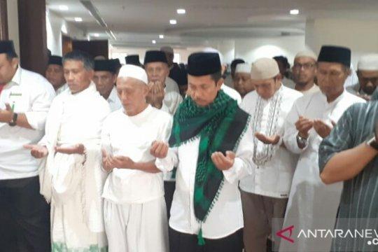 Calhaj asal Gowa shalat ghaib untuk Ichsan Yasin Limpo di Mekkah