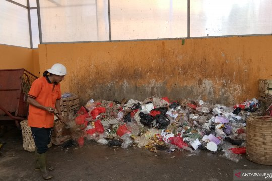 Pasar Jaya targetkan kurangi sampah 25 persen ke Bantargebang