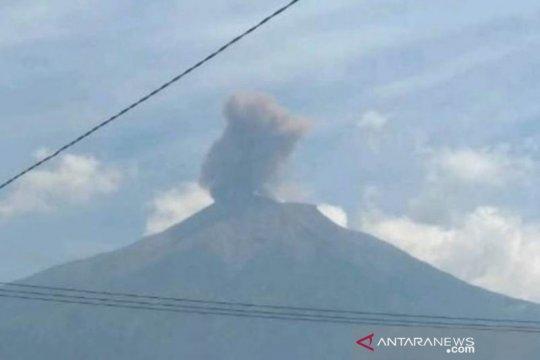 Petugas: 51 orang mendaki saat Gunung Kerinci erupsi Rabu