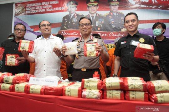 Bareskrim tangkap 4 kurir penyelundup 43,5 kg sabu dari Malaysia