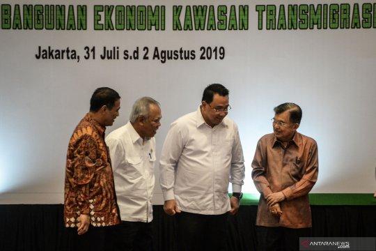Pemerintah ingin mentransmigrasikan 7.000 penduduk Jawa dan Bali