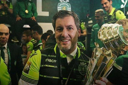 Eks presiden Sporting Lisbon diadili sebagai dalang serangan pemain