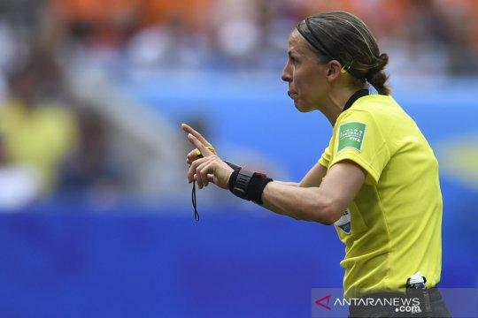 Wasit perempuan pertama kalinya pimpin Piala Super Eropa