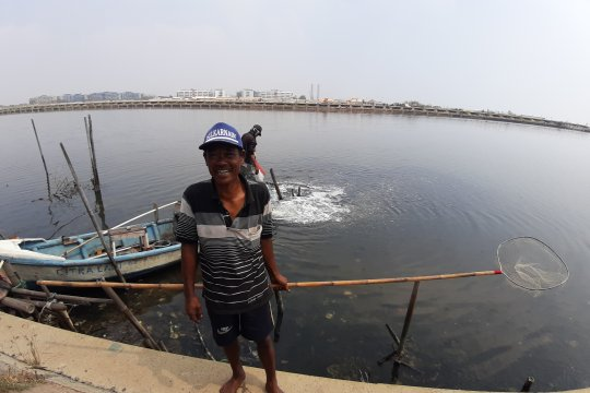 Nelayan: Pencemaran minyak dan limbah berdampak fatal hasil tangkapan