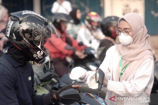 Dompet Dhuafa bagikan masker gratis sebagai aksi tolak polusi udara
